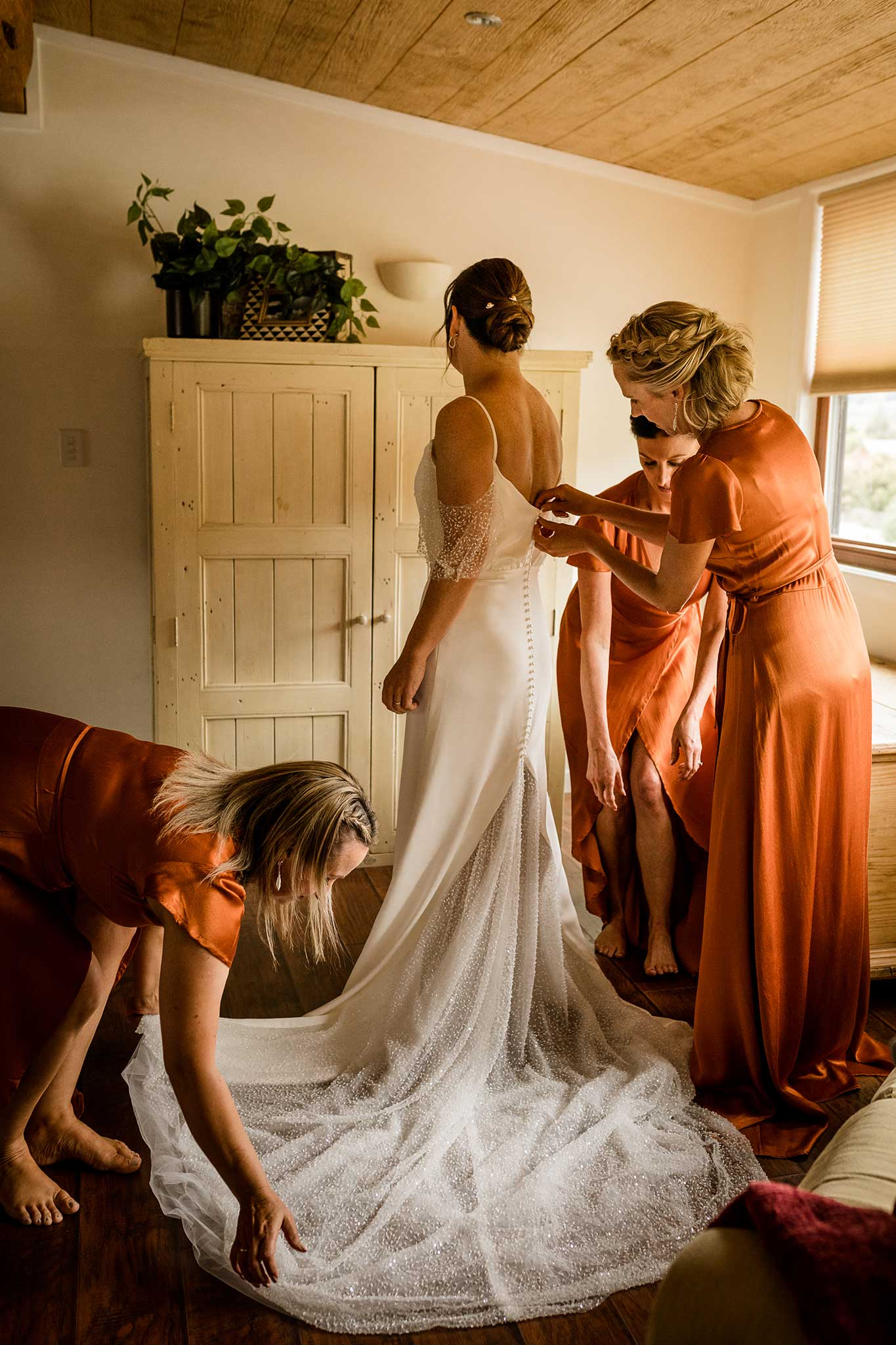 Getting Ready for your wedding - Susan Miller Photography